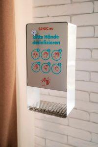 SANIC Desinfektionsspender aus Edelstahl mit Sensor 4 - FOTO